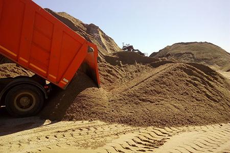 Сколько песка влезает в камаз